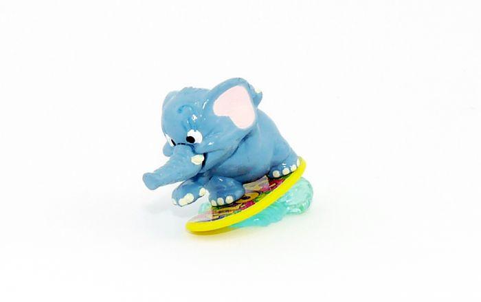 Sammy Speed auf ALOAH Surfbrett (Fanny Fanten im Cluburlaub)