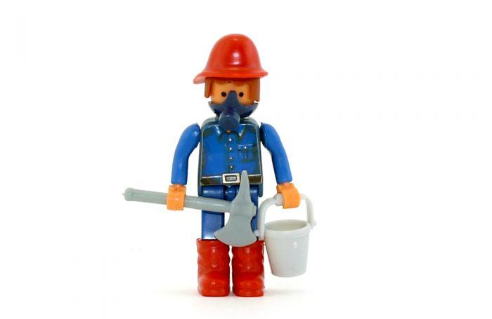 Feuerwehrmann mit Eimer und Axt (Alte Ü-Ei Inhalte)