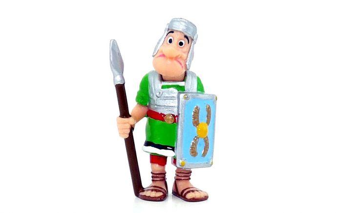 Legionär Marcus Konfus mit graden Speer (Asterix und die Römer)