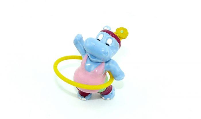 Susi Sonnenschein mit Hola Hop Reifen (Hippos)