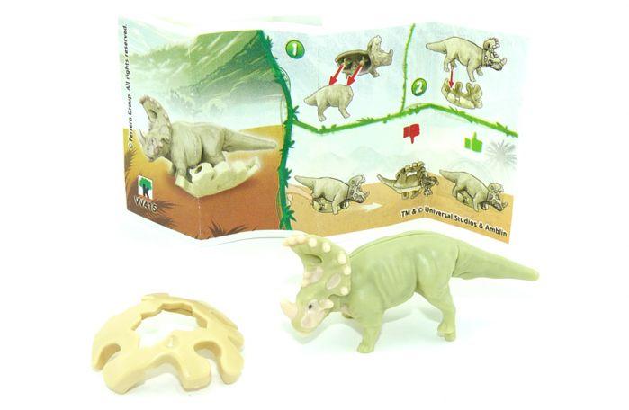 Sinoceratops, wo die Eierschale ocker ist. Jurassic World 2021 (Ü-Ei Variante)