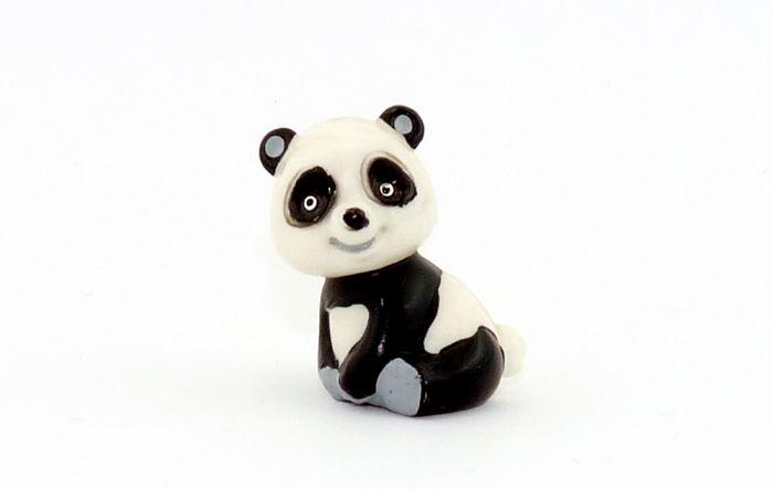 Tao Tao sitz mit kleinen weißen Augen (Variante)