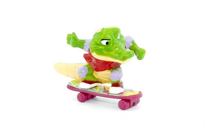 Benny Beule mit Skateboard von den Crazy Crocos