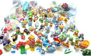 100 unterschiedliche Ü-Eier Figuren als Einsteigerpaket aus Europa