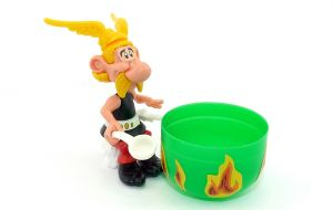 Asterix Steckfigur mit Kochkessel sitzend. 6 Aufkleber. Asterix 1991 EU