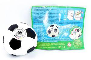 Maxi Ei DFB Fußball mit Beipackzettel