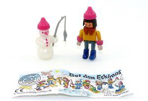 """Junge mit Schneemann als Steckfigur aus dem Satz """"Bei den Eskimos"""" von 1994 mit Beipackzettel"""