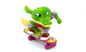 Benny Beule auf Skateboard als EU Figur