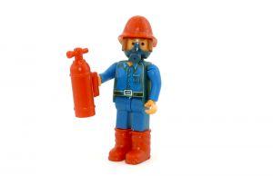 Feuerwehrmann mit Feuerlöscher (Alte Ü-Ei Figuren)