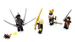 Garadorm und Samurai X kämpfen gegen Lloyd und NYA und die Spinne