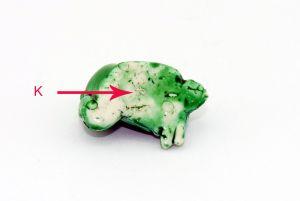 """Faulenzer Frosch mit Kennung """"K"""" (Variante)"""