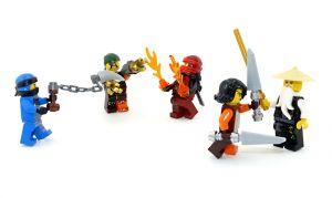 Lego Ninjago Master WU, JAY und KAI im Kampf gegen SQIFFY und CYREN