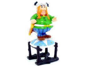 Majestix auf dem Schild stehend (Asterix und die Römer)