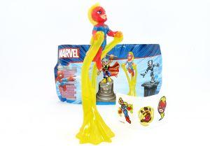 Captain Marvel auf dem Maxi Ei mit Zettel und Aufkleber auf Folie