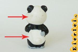 Tao Tao steht mit zwei Dellen (Ü-Ei Variante - Gußvariante)