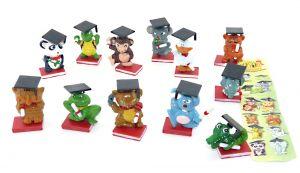 Alle 12 Figuren THE DOCTORS Graduate Pets mit Zettel [Firma RICARD]