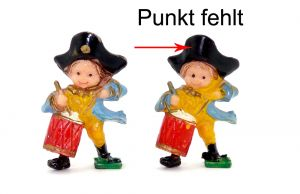 Trommler mit Dreispitz, wo der goldene Knopf am Hut nicht bemalt ist (fehlende Bemalung)