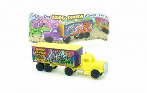 Truck der Funny Fannten in der Manege. Dach gelb mit Beipackzettel